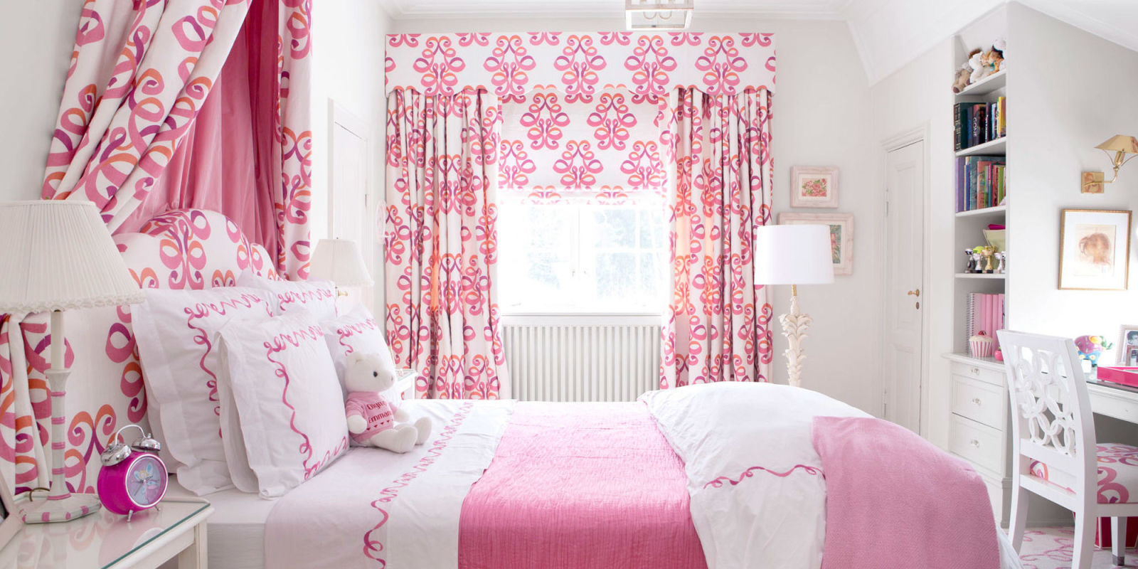 Pink rooms ideas for pink room decor and designs for Interior design bedroom pink