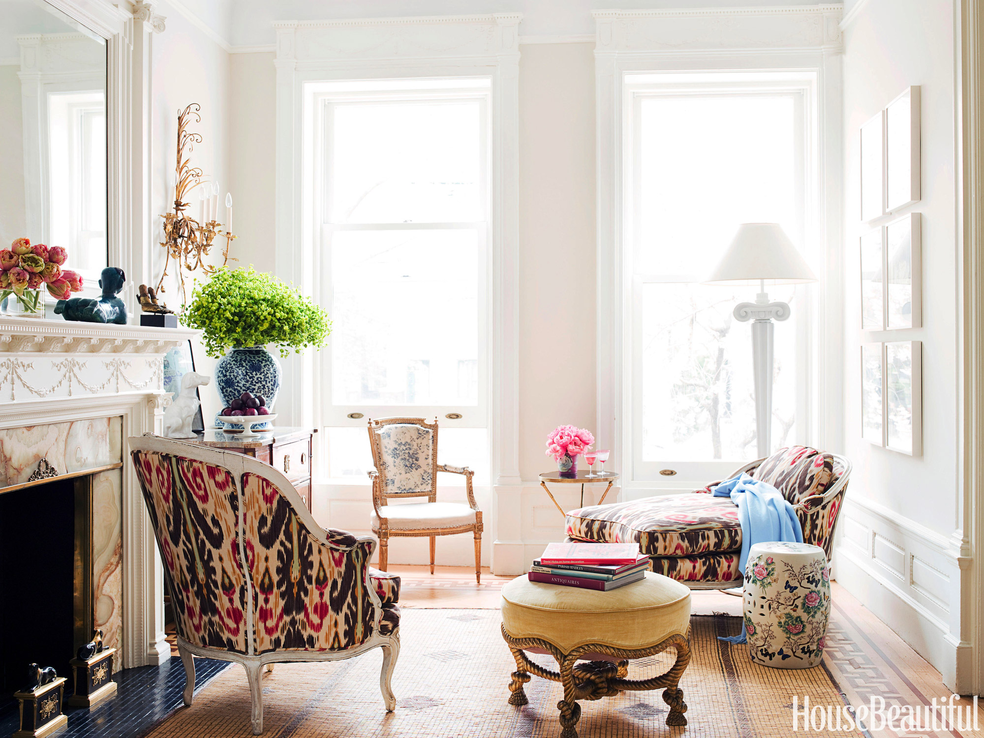Jonathan berger 39 s small and flirty new york townhouse - Decorating a small townhouse ...