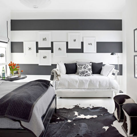 Black and white designer rooms black and white for Black white and gray bedroom ideas