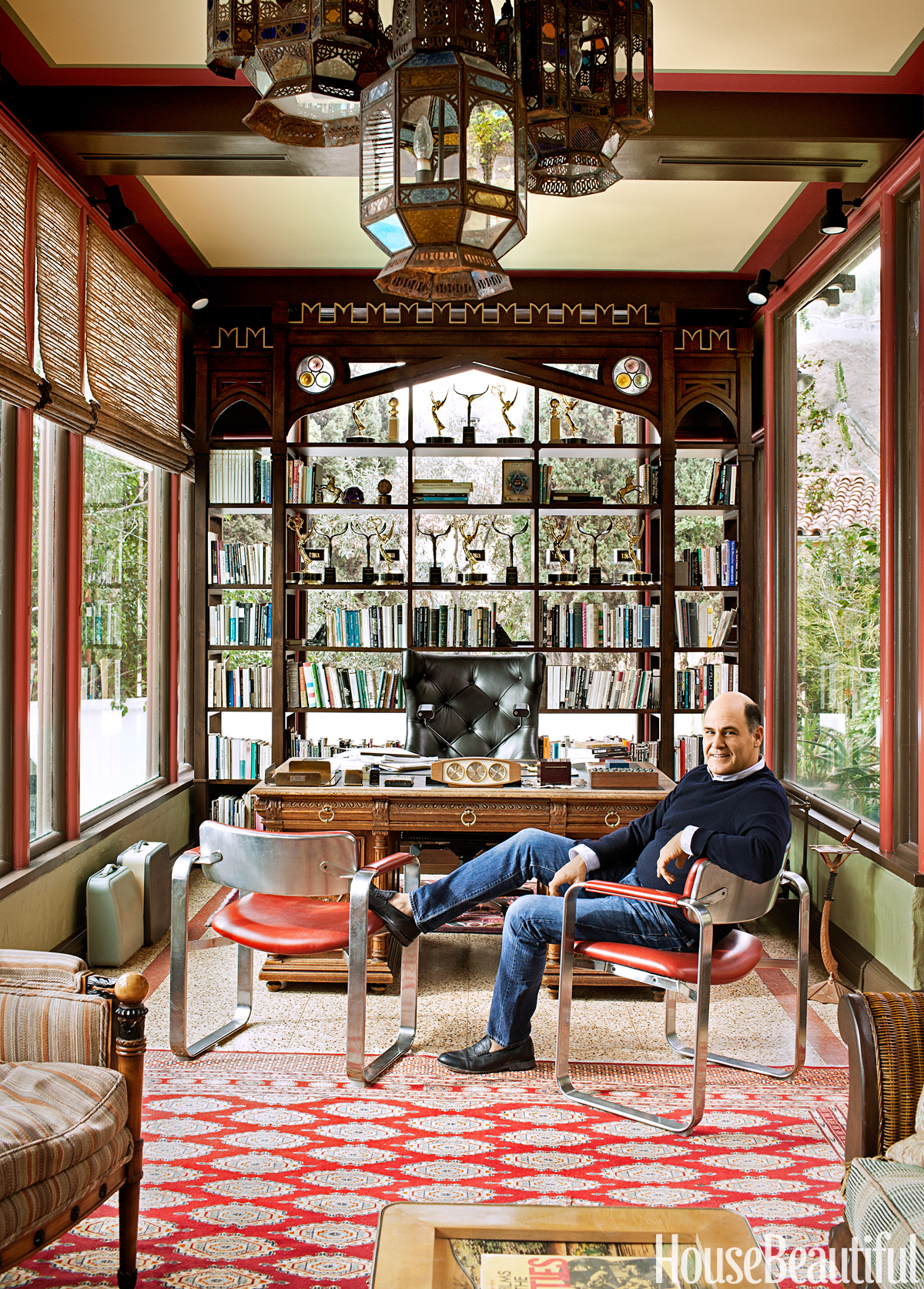 Inside mad men creator matthew weiner 39 s home office for Beautiful office pictures