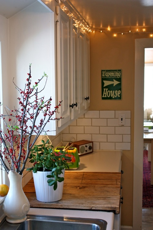 Plants For Kitchen To Decorate It: Design Ideas For The Space Above Kitchen Cabinets