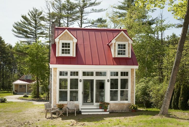 this petite cottage will totally sell you on downsizing - Small Cottage