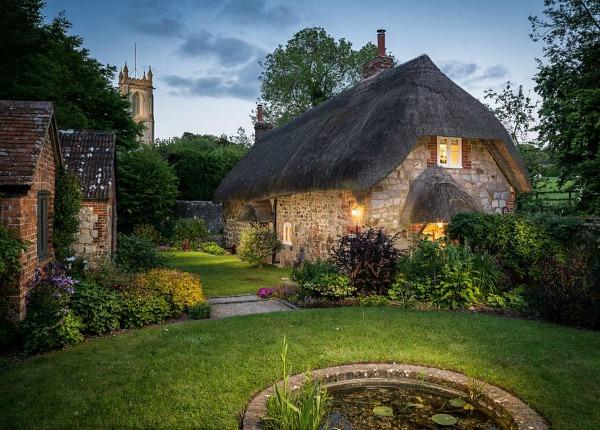 1433964293 faerie door cottage thatched roof wiltshire
