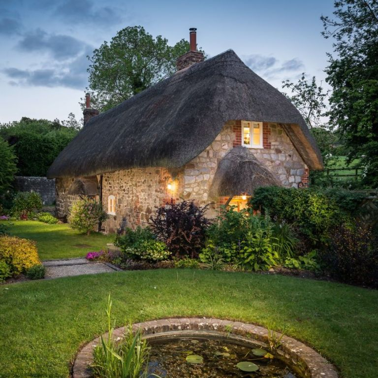 storybook english cottage inside the 39 faerie door 39 in wiltshire england. Black Bedroom Furniture Sets. Home Design Ideas