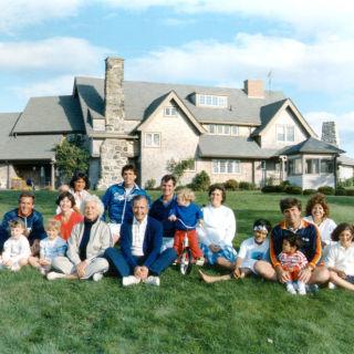 Ina Garten Hamptons Home barefoot contessa barn - ina garten hamptons barn