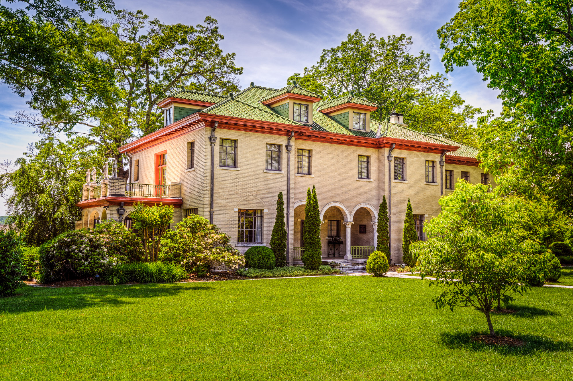 Historic 1920s mansion 1920s marrcrest estate for Long island estates for sale