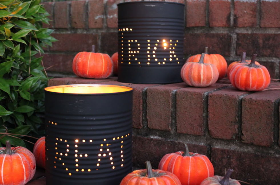 25 outdoor halloween decorations porch decorating ideas for halloween - Cool Halloween Decoration Ideas