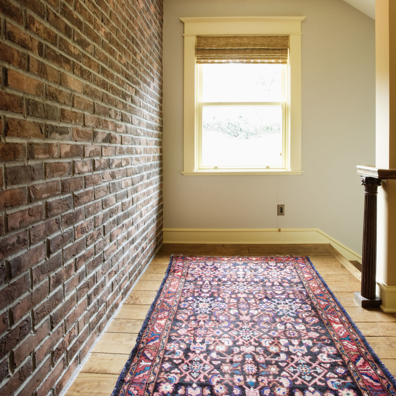 http://hbu.h-cdn.co/assets/15/34/1280x1280/gallery-1440199396-exposed-brick-2-de.jpg