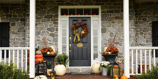 15 Inspired Ways to Style Your Porch This Fall