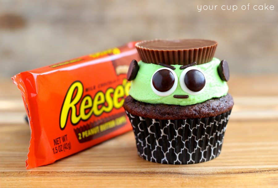 30 easy halloween party treats recipes best ideas for halloween treats - Easy To Make Halloween Cakes