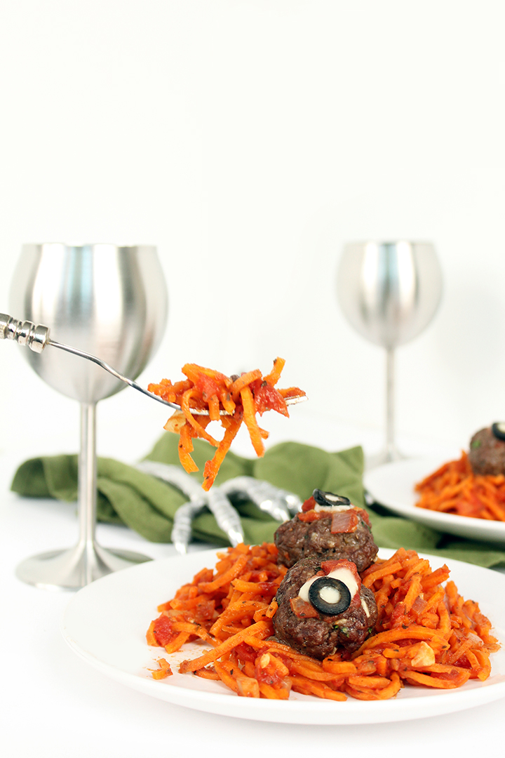 35 halloween party food ideas fun halloween recipes - Scary Halloween Meatballs