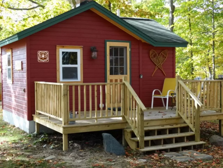 Terrific 50 Tiny Houses For Rent Tiny Home Rentals In Every State Largest Home Design Picture Inspirations Pitcheantrous