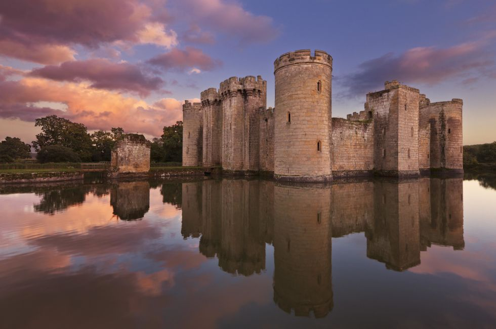 This moated castle was built in the 14th century in East Sussex, England by a knight looking to protect the area against the French in the Hundred Years' War. But after surviving several wars it was abandoned and today is a tourist attraction that's open to the public.