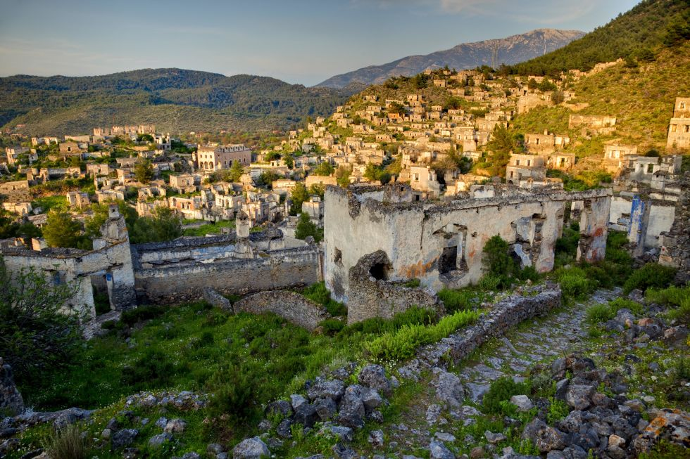A town nestled amongst the Taurus Mountains was deserted in the 1920s because of a political population exchange with Greece. Today there are around 350 abandoned homes in the city. Nestled into the hillside and bathed in a sunset, they still look quite quaint.
