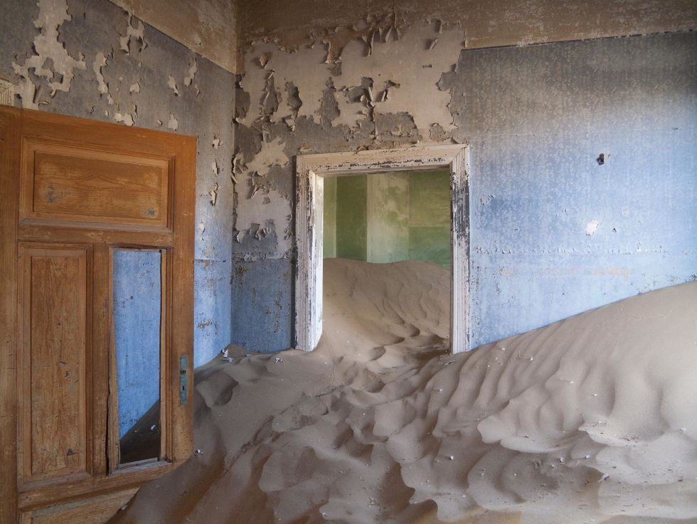 This town was founded in the Namib desert in 1908 when a man found a diamond in the area, but was abandoned in 1954 after resources were exhausted. The homes that were left are now filled high with sand — a strange, yet striking, sight to behold.