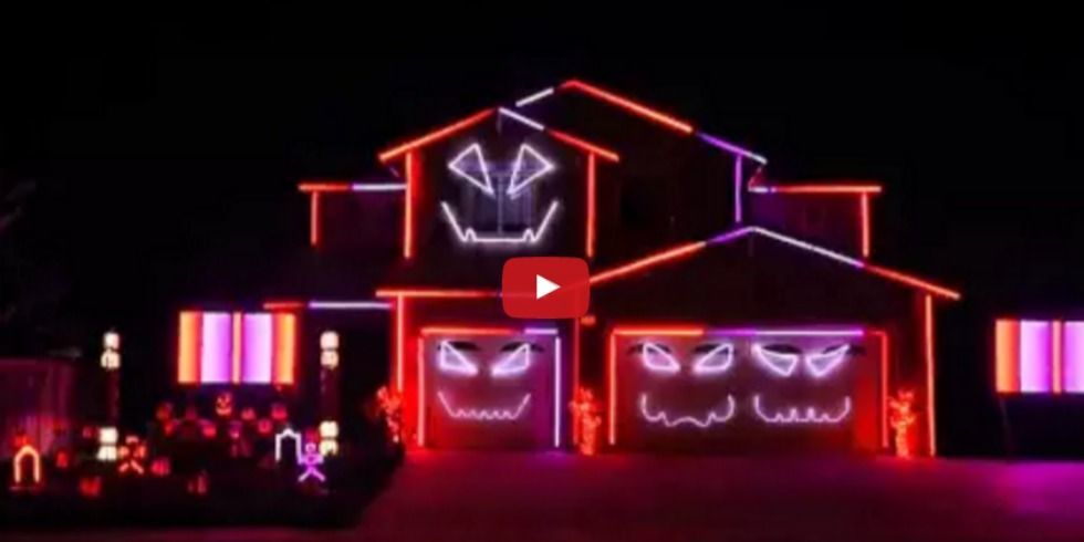 Watch an extravagant ghostbusters themed halloween light - Halloween laser light show ...