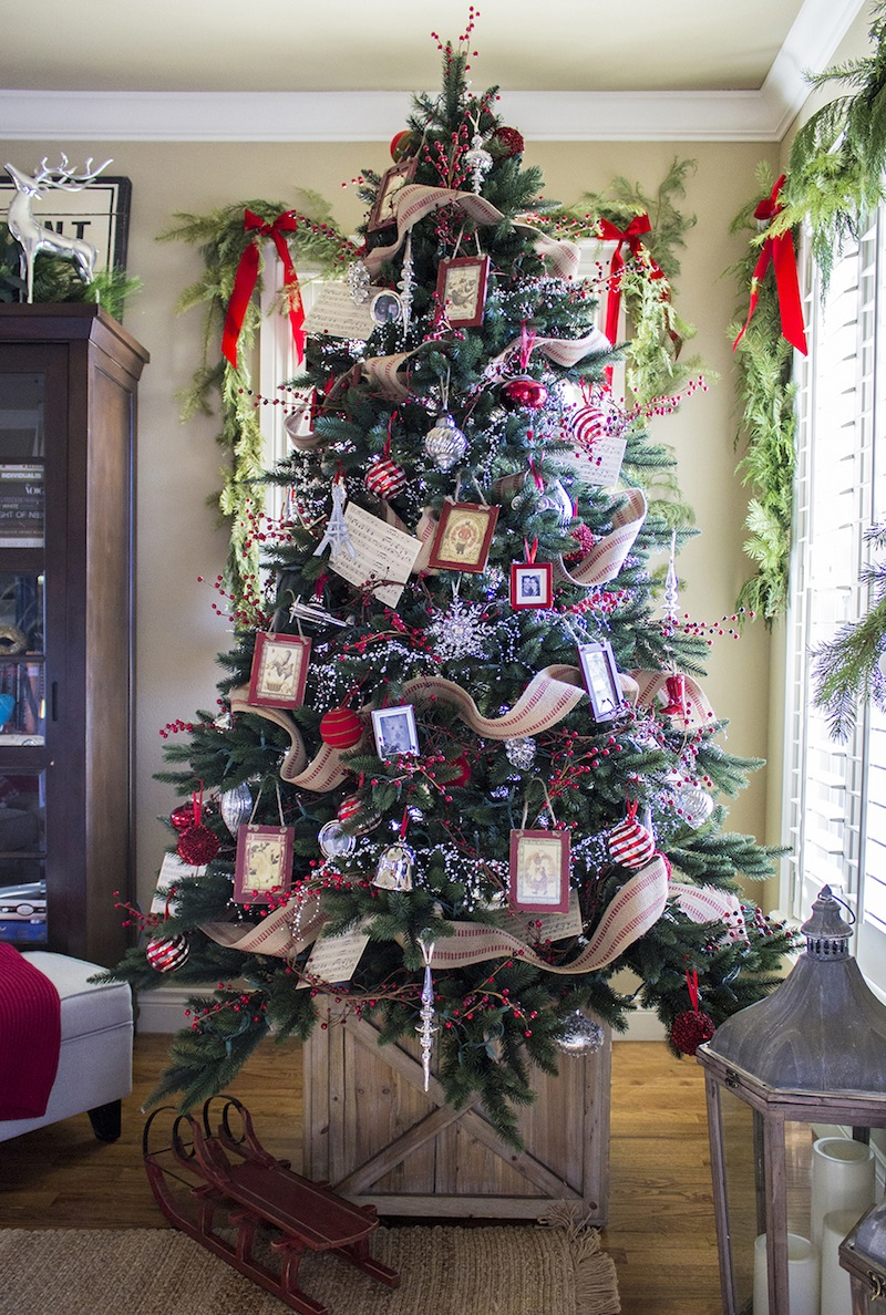 Ideas on decorating a christmas tree - 35 Christmas Tree Decoration Ideas Pictures Of Beautiful Christmas Trees