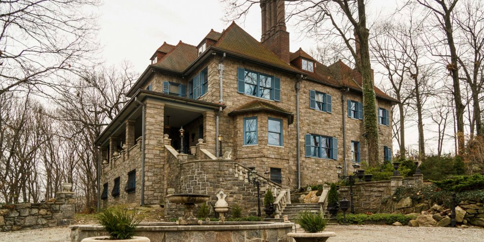 Chapel Hill Mansion In The Bronx New York American