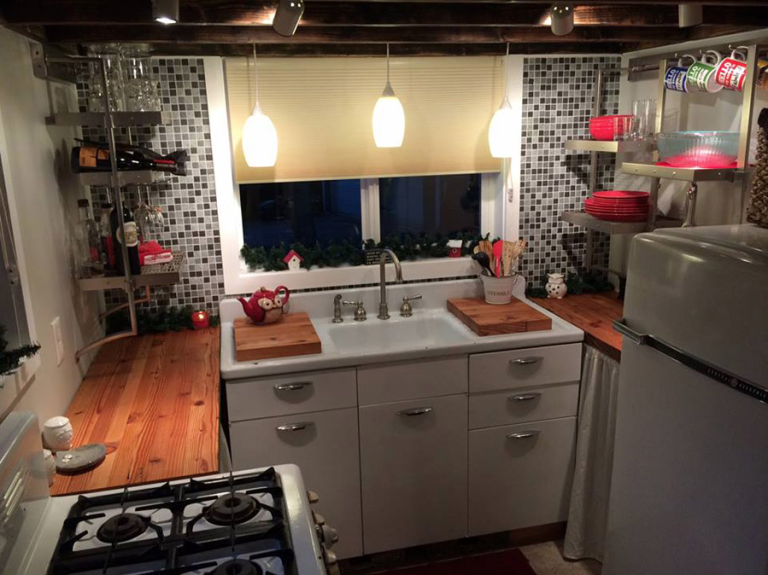 Tiny House Kitchen calpella 18 tiny house kitchen This Tiny Homes Kitchen Could Feed A Crowd