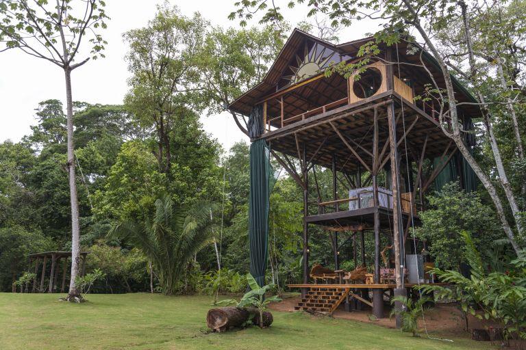 Best treehouses amazing tree house vacations - Casitas en el arbol ...