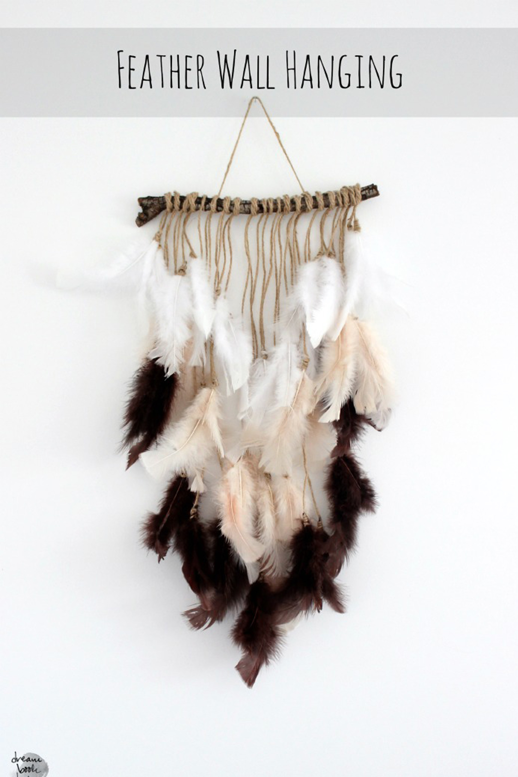 12 Magical Ways To Decorate With Feathers Diy Home Decor