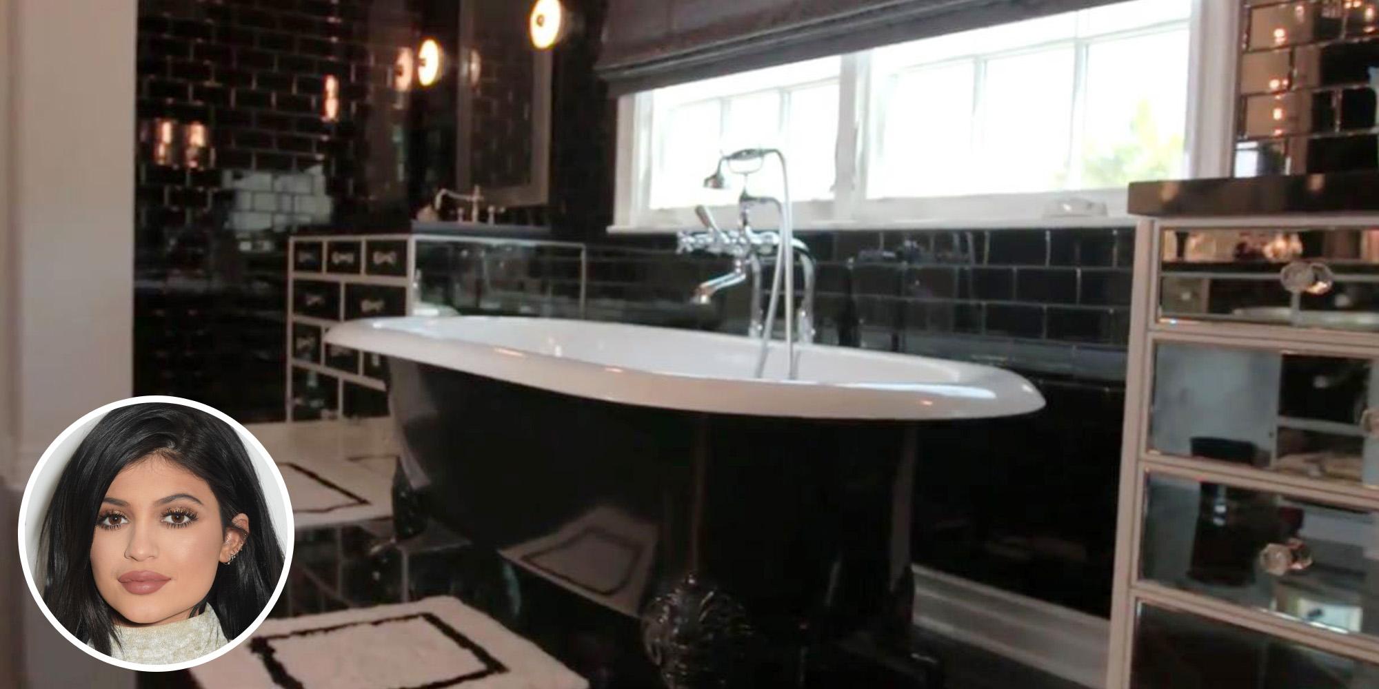 Celebrity bathrooms most insane celebrity bathrooms for Kylie jenner bathroom photos