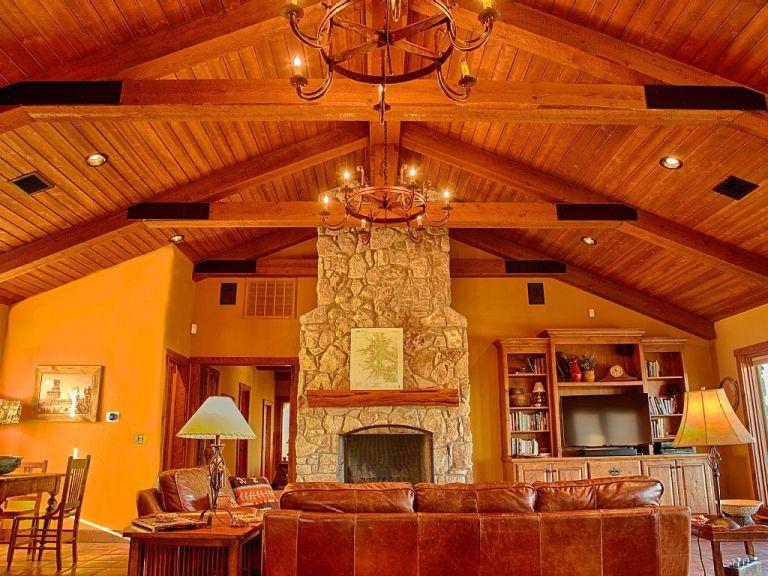 SkyHouse Cabin