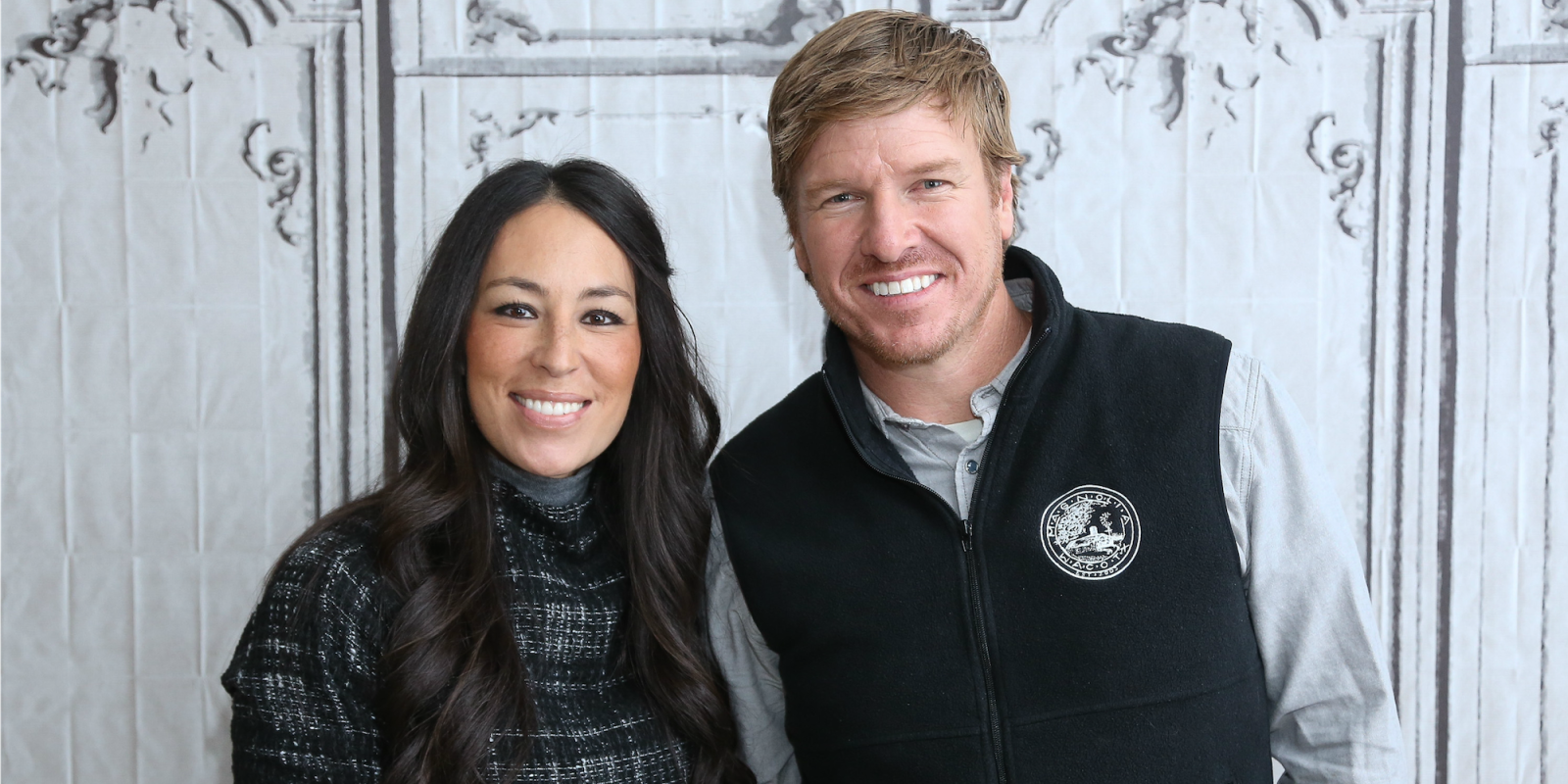 chip and joanna gaines 39 new house bradshaw estate in waco texas. Black Bedroom Furniture Sets. Home Design Ideas