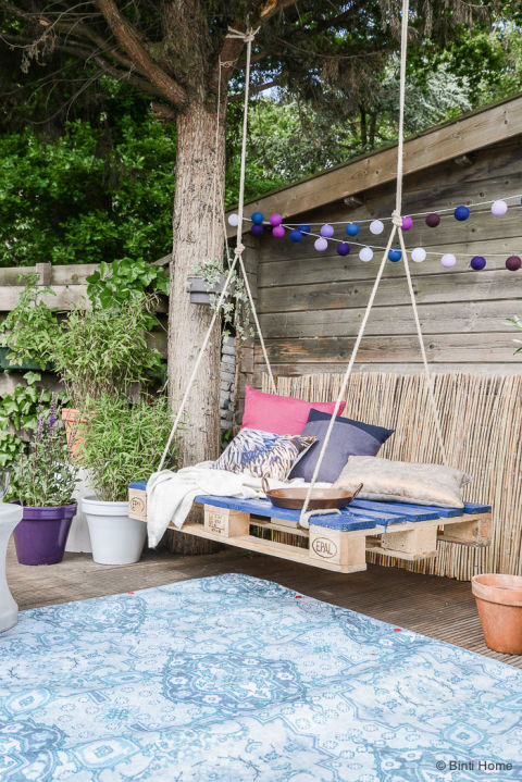 Pallet Patio Swing outdoor swing diys - how to make an patio swing