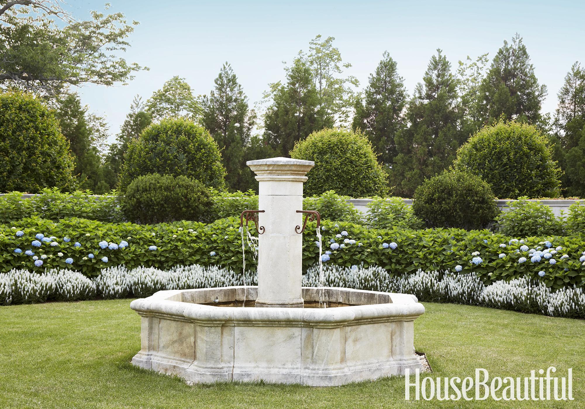 Edmund Hollander Garden Design Tips