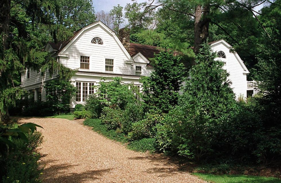 Common for the middle Atlantic states, this architecture type is characterized by that barn-like shape of the roof.