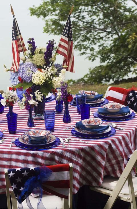 gingham tabletop - 4th Of July Decorations