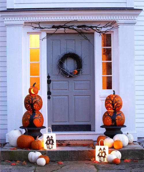 25 diy halloween wreaths halloween door decoration ideas - Halloween Home Decorating Ideas