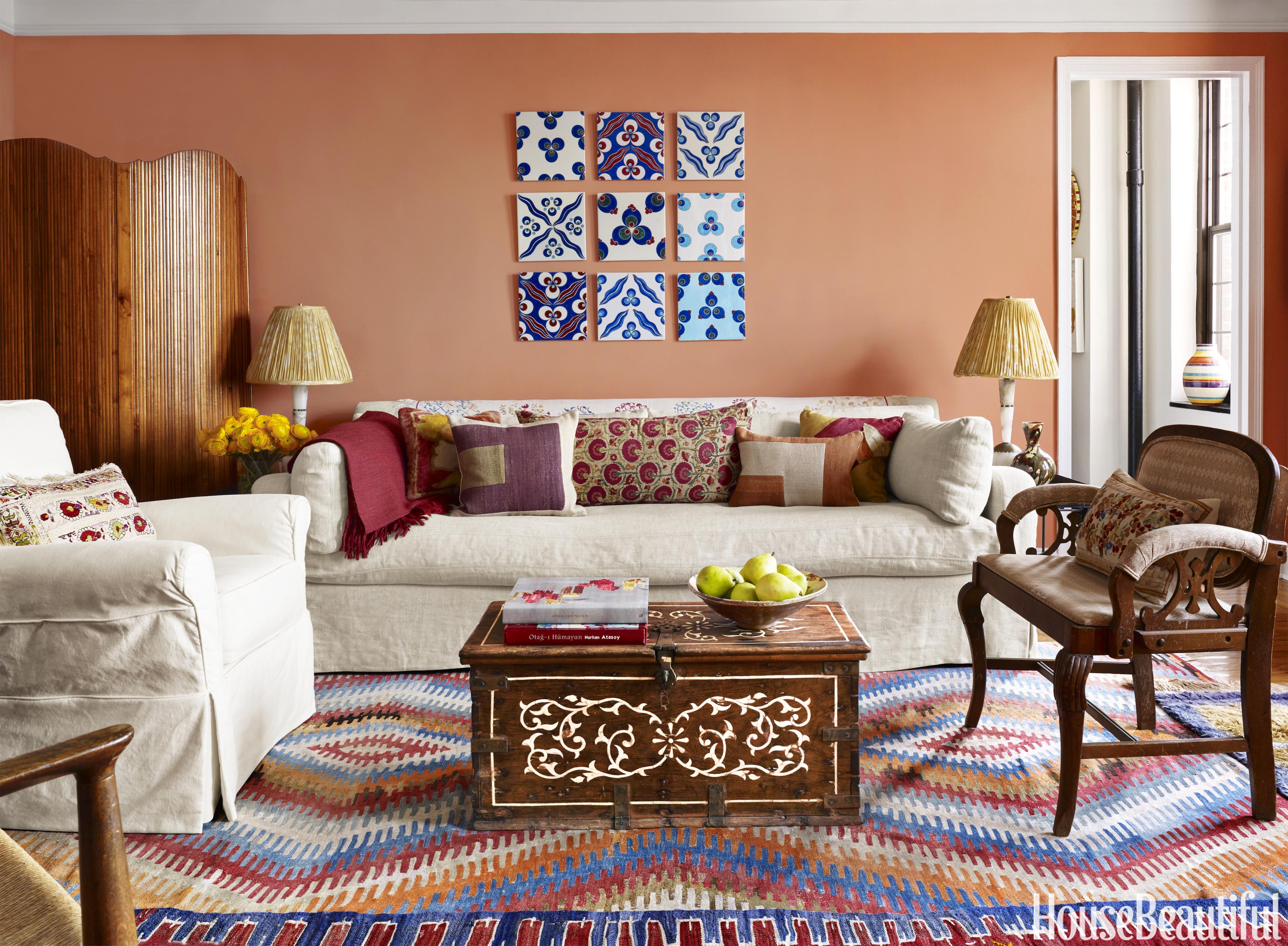 Sara bengur 39 s manhattan apartment global decorating ideas for Manhattan tan paint color