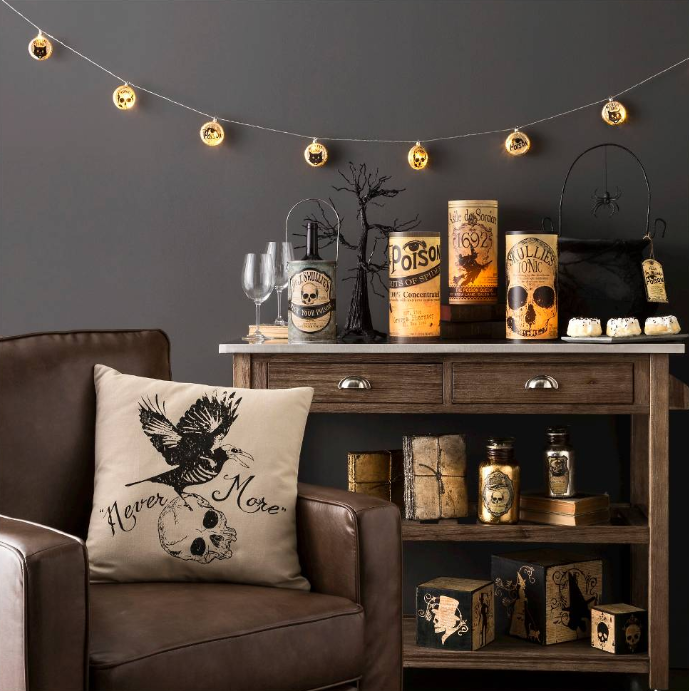 20 elegant halloween home decor ideas how to decorate for halloween - Halloween Home Decor