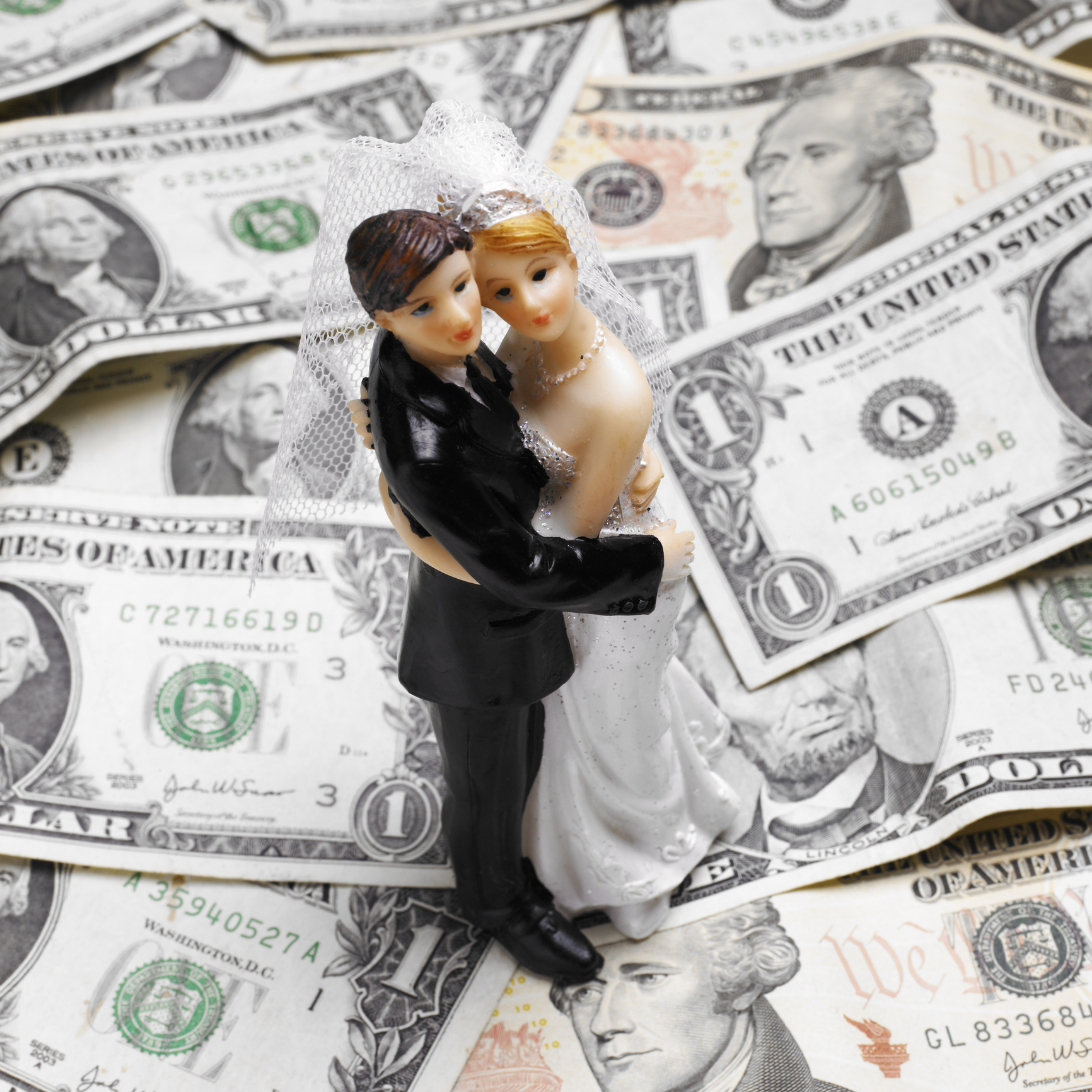 Typical Cash Wedding Gift: How Much Money To Give At A Wedding