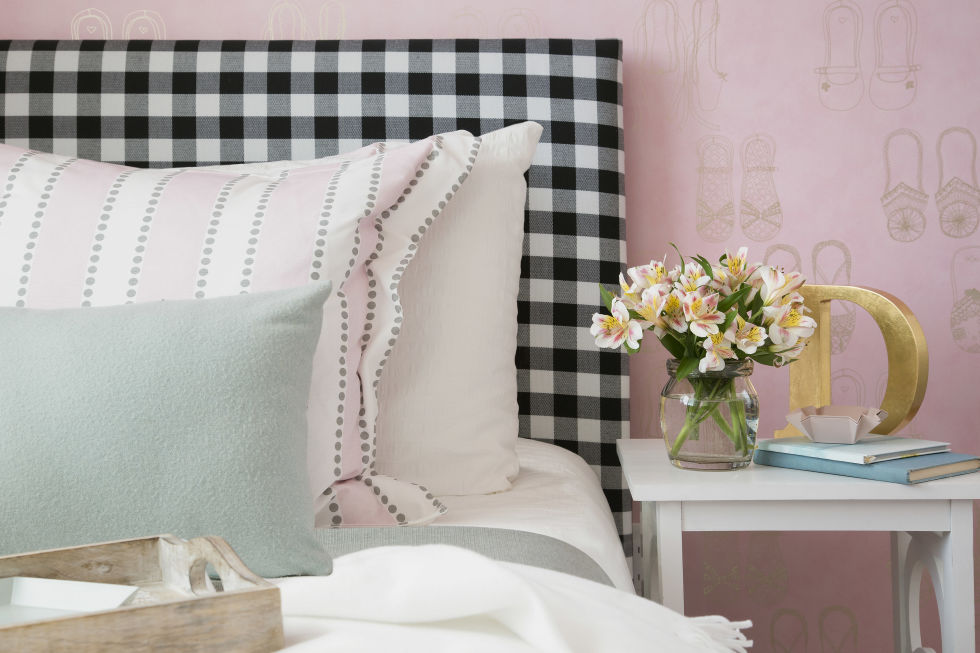 bedroom Feng Shui: The 2017 trend for your Bedroom gallery 1484160961 gettyimages 558273281