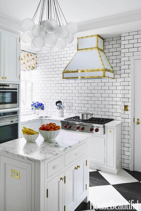 Subway Tile To Fake A Sunny Farmhouse Kitchen