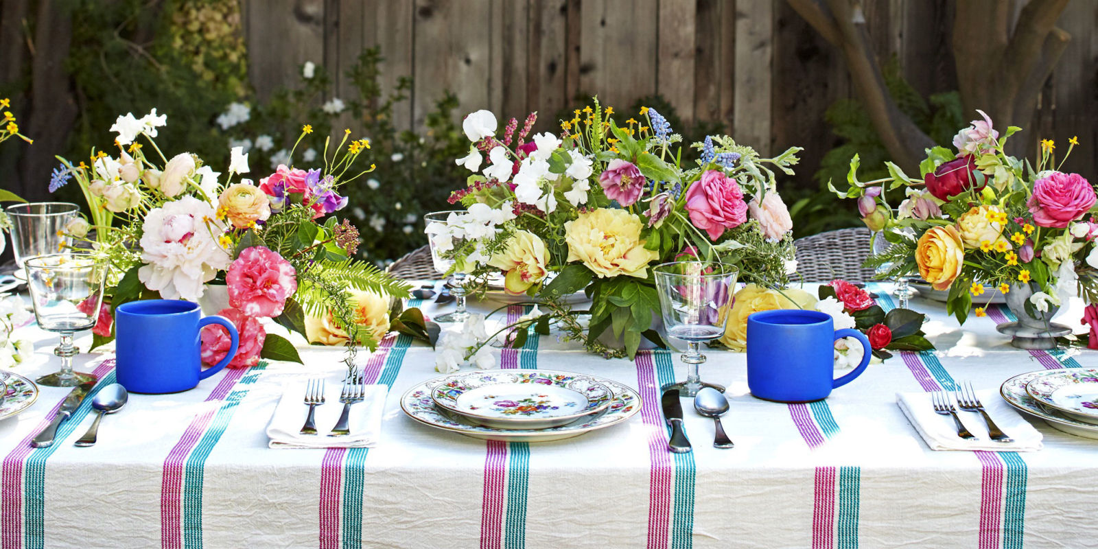 Elegant birthday table decorations - Tablescapes