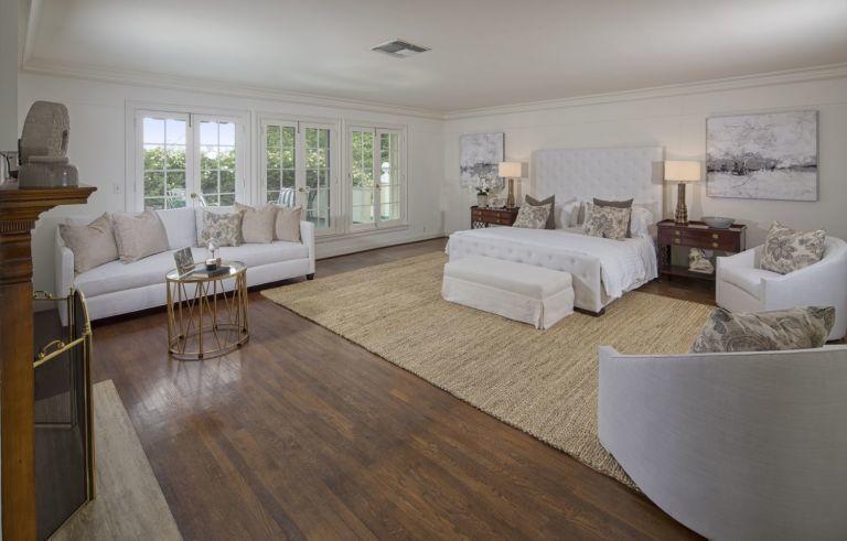 Rumah Taylor Swift Menjadi Ikon Bersejarah di Beverly Hills