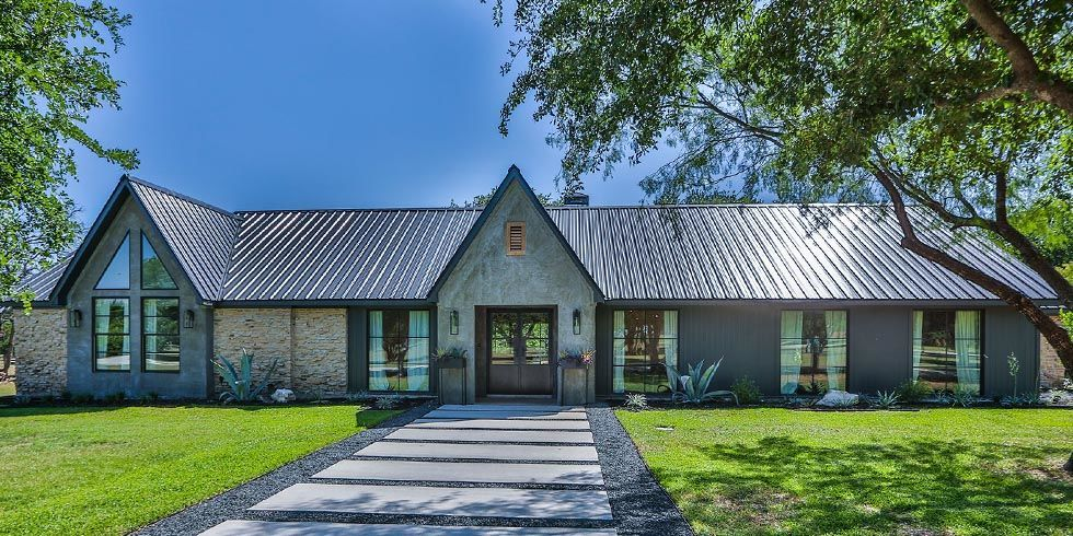 Fixer upper home for sale season four fixer upper on for What happens to the houses on fixer upper