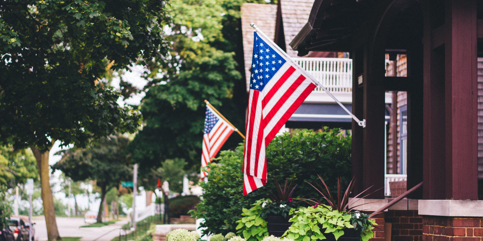 American flag history who made the american flag for American garden company