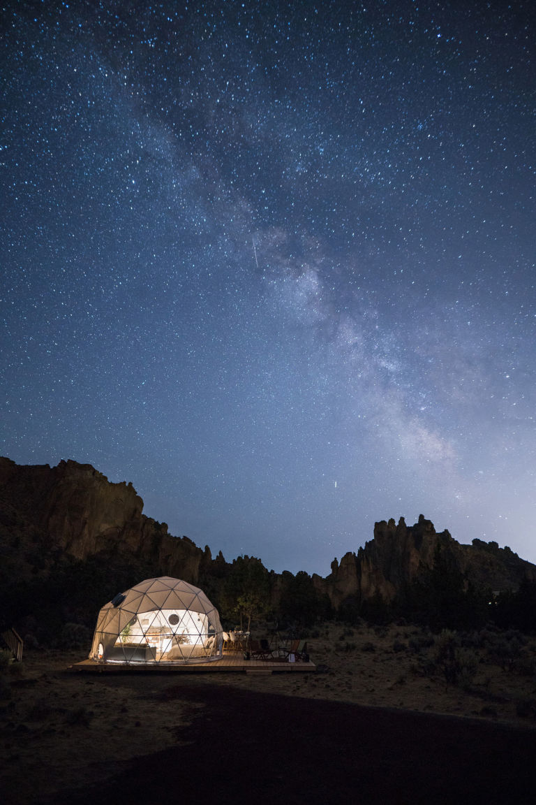 win a trip to oregon to see the solar eclipse from airbnb airbnb