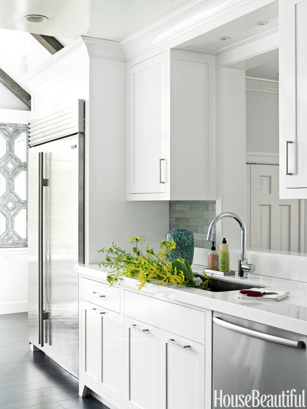 Best Kitchens 2013 : C edaf hbx glossy white kitchen s g