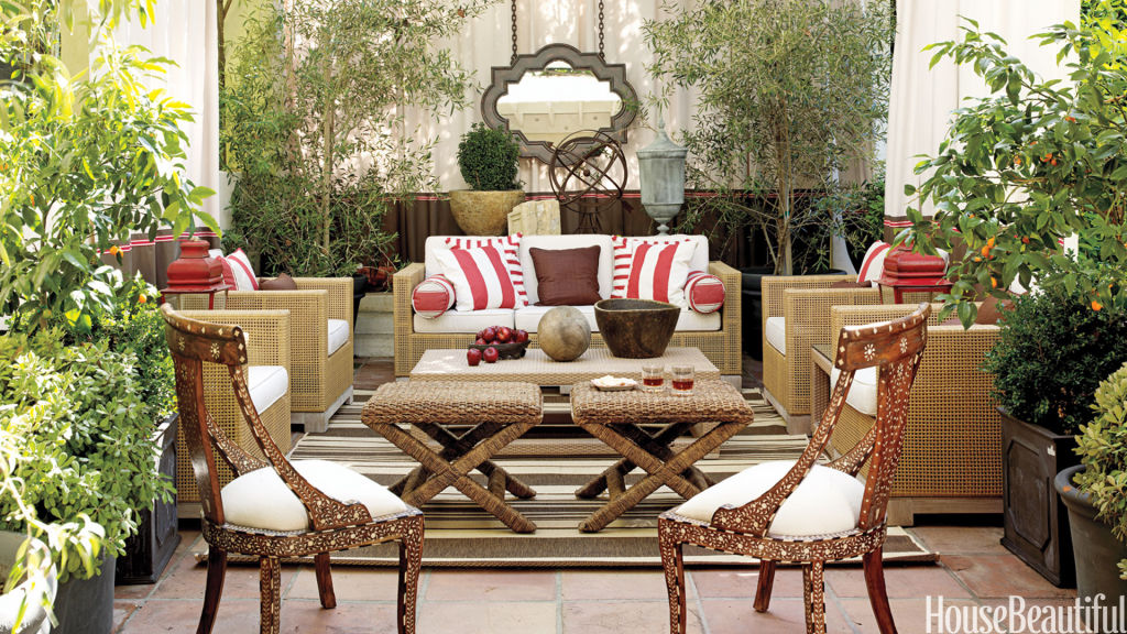red and white outdoor pillows - Outdoor Home Decor Ideas