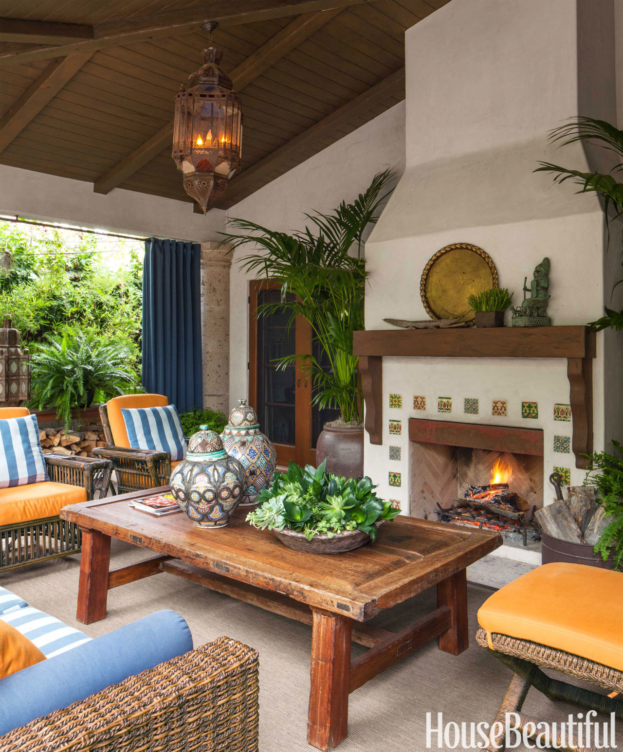 15 Beautiful Mediterranean Living Room Designs You Ll Love: California Hacienda House