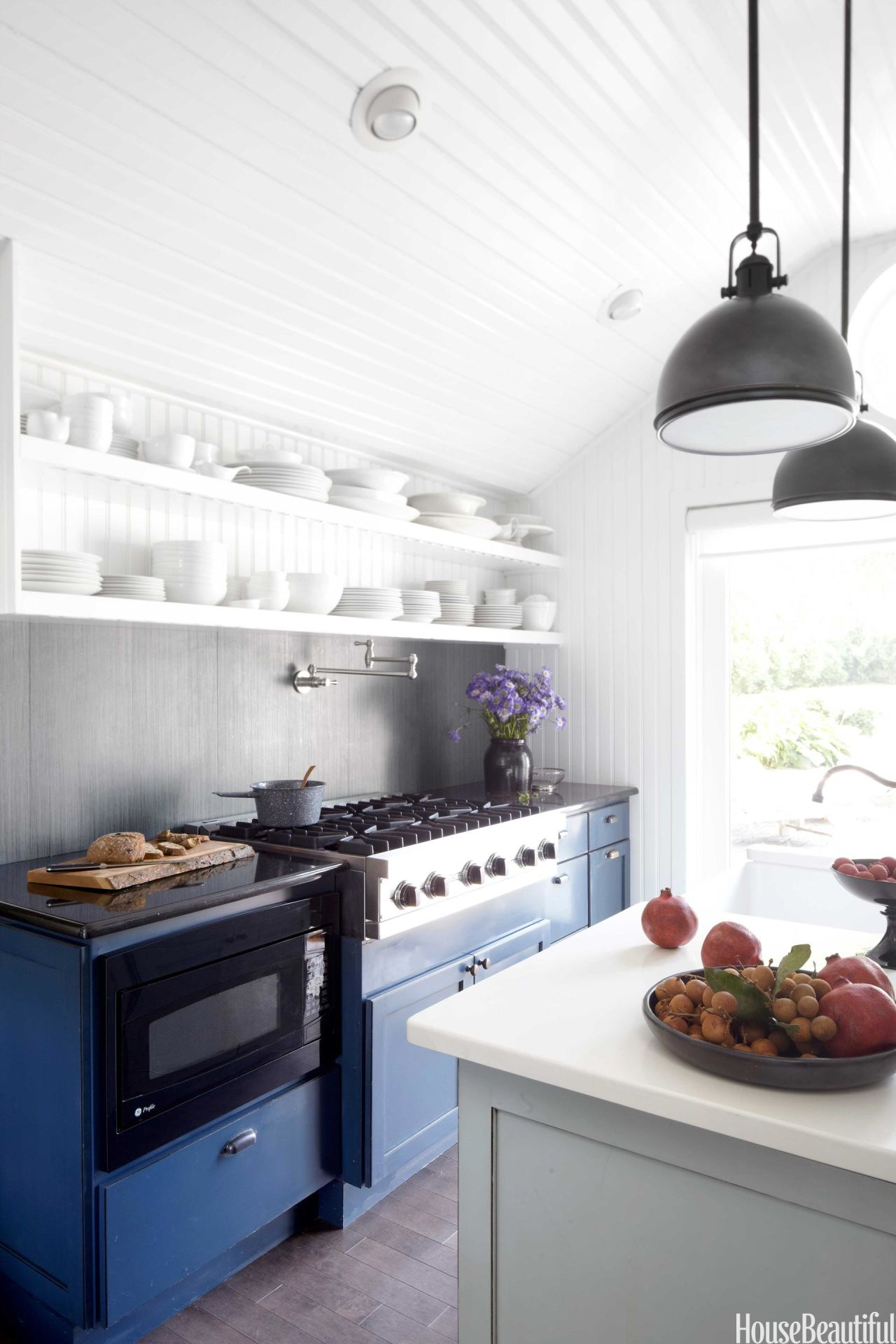 Blue and White Kitchen Decor - Farmhouse Kitchen Design Ideas