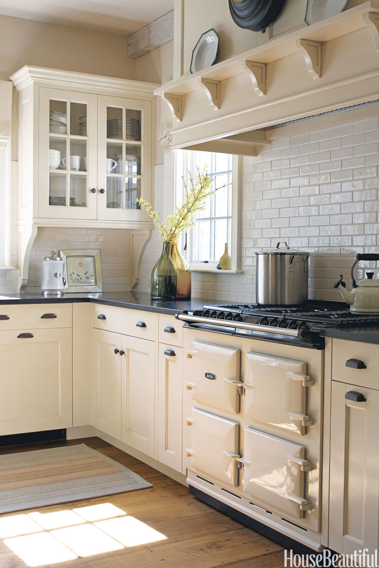 The top 10 kitchen pins of 2013 house beautiful for Kitchen cabinets vermont