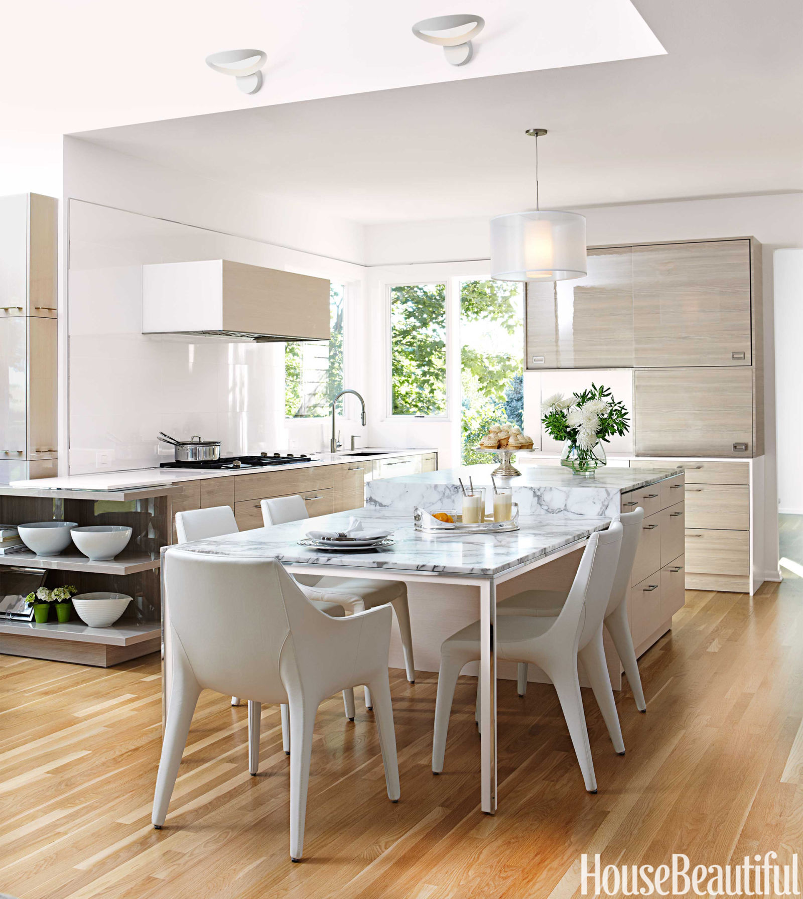 airy and bright kitchen - contemporary kitchen design