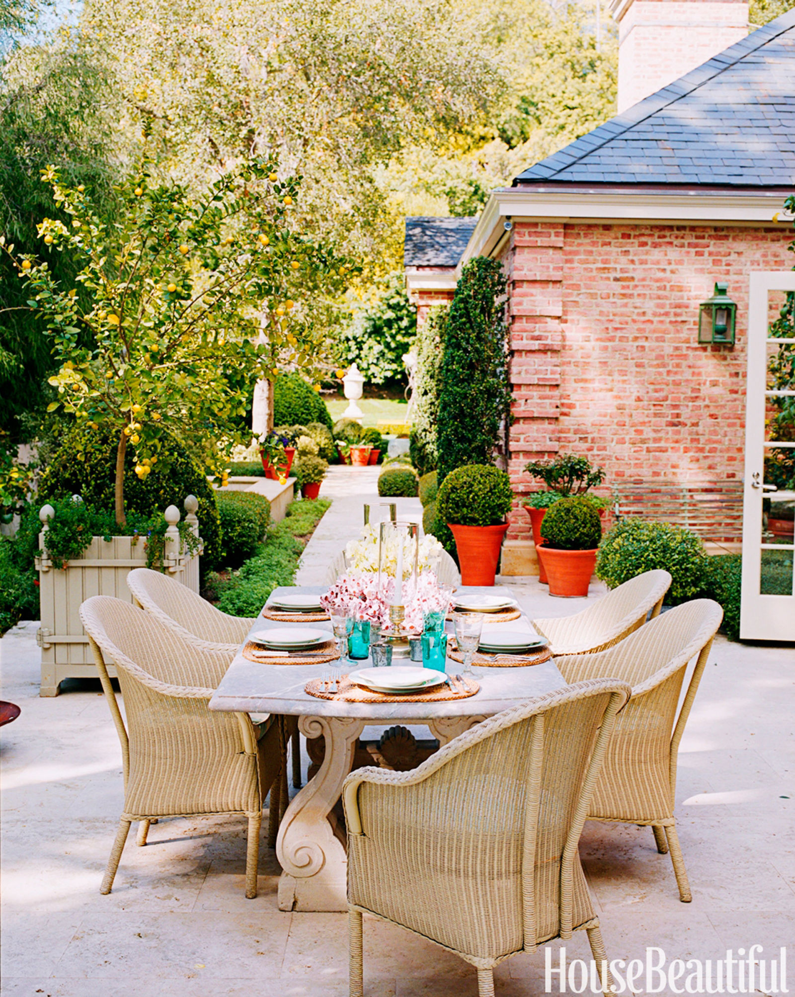 Designer Outdoor Dining Rooms